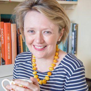 Helen Best-Shaw headshot